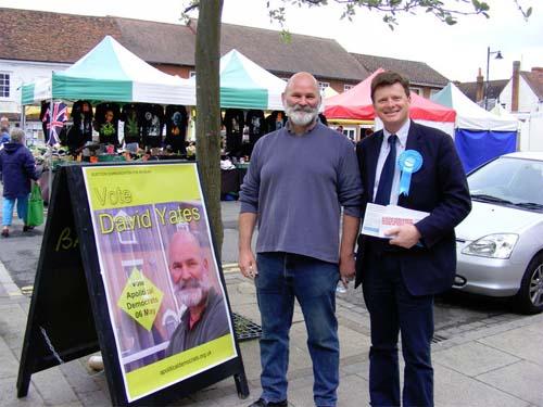David Yates campaigning in Thatcham Market